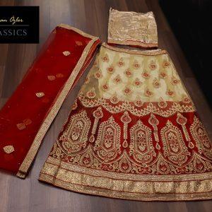 Kırmızı Hint kıyafeti